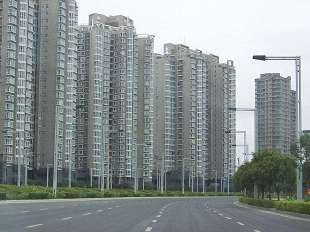 "Zhengzhou New District ""Ghost Towers"" http://www.dailymail.co.uk/news/article-1339536/Ghost-towns-China-Satellite-images-cities-lying-completely-deserted.html"