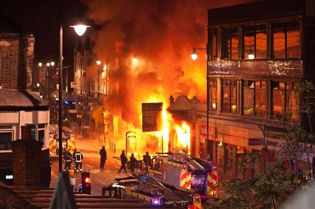 London riots 2011 boston.com