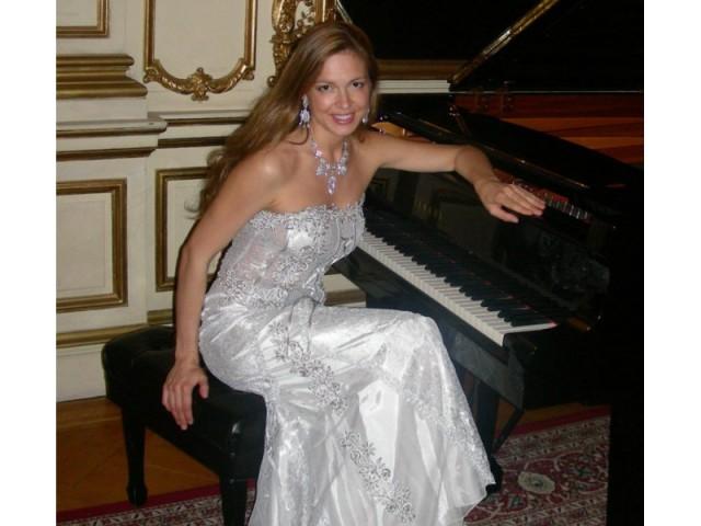 Svetlana Smolina http://svetlanasmolina.com/